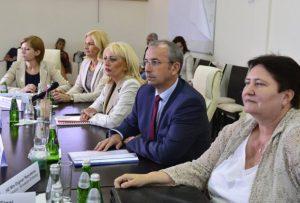 kovacica-poseta-ambasadori-eu-majkl-devenport-jadranka-joksimovic-evrointeg-1467890377-944885